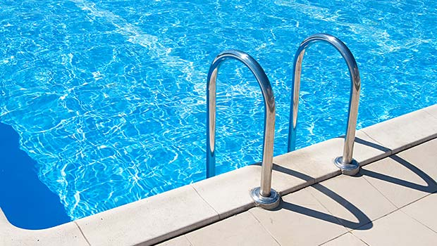 IoT Looking After the Water Quality of Swimming Pools