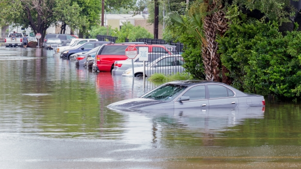 Using Simple IoT Monitoring for Quick Recognition of Flooding Dangers